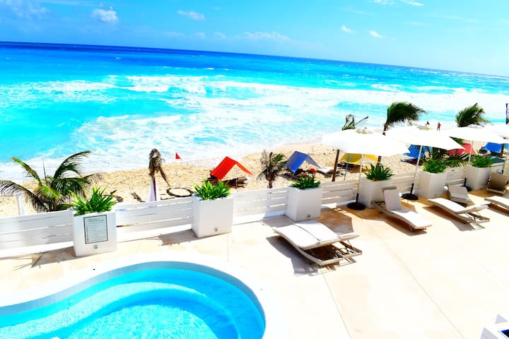 Beach Front Suite CANCUN, OLEO Yalmakan Cancun