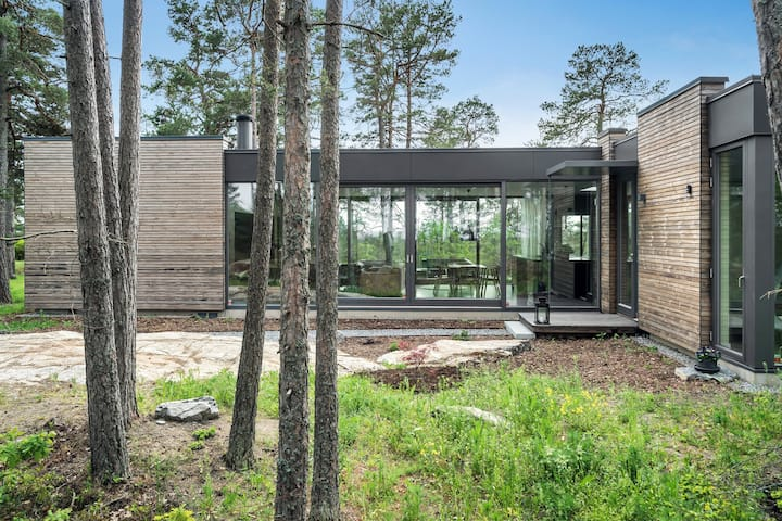 Modernism in the woods