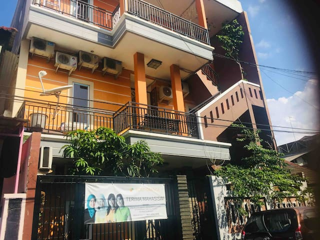 Comfy place to stay with affordable price :)