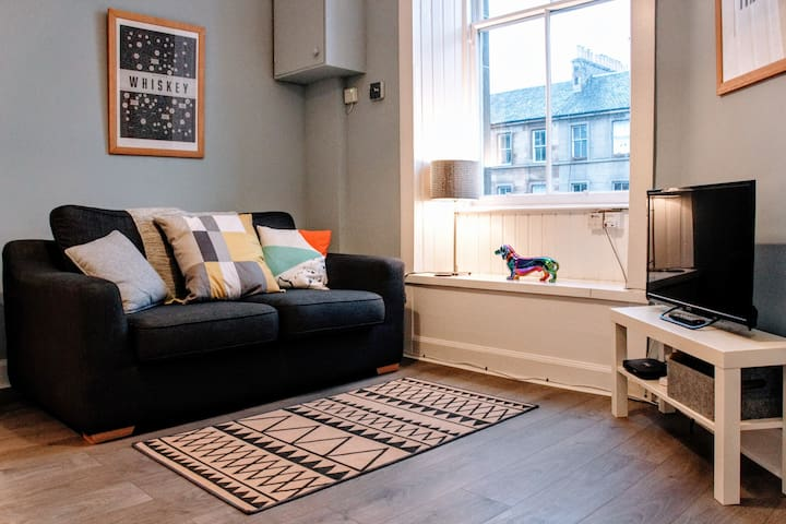 Stylish Apartment in Edinburgh's New Town