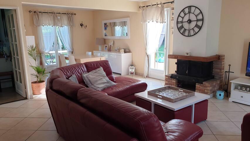 Chambre dans une maison à 30 minutes de Disney