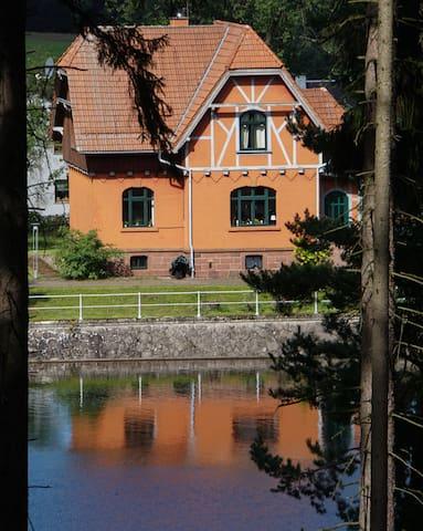 """Haus am See """"Alte Tambacher Talsperre"""""""