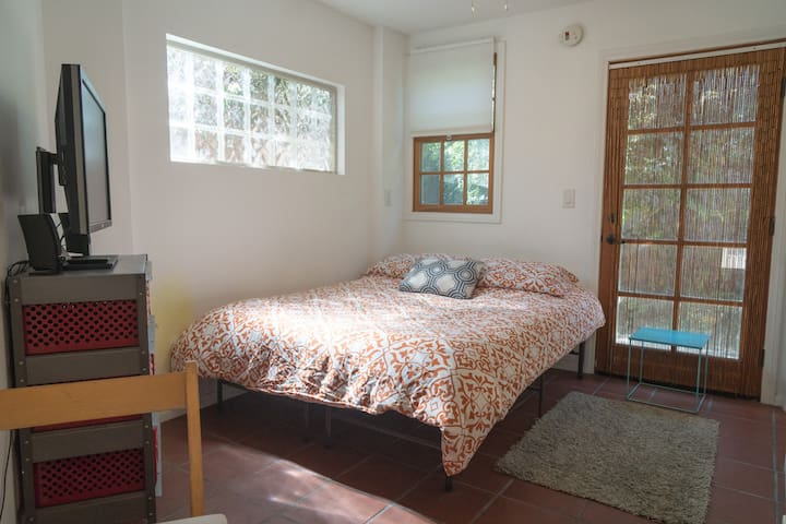Private, Quiet and Cozy Culver City - Калвер-Сити - Квартира