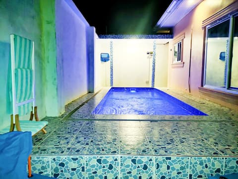 lovely 2 bedroom apartment with backyard swimming pool