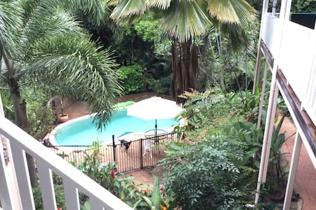 Rooms available close to Cairns - Caravonica