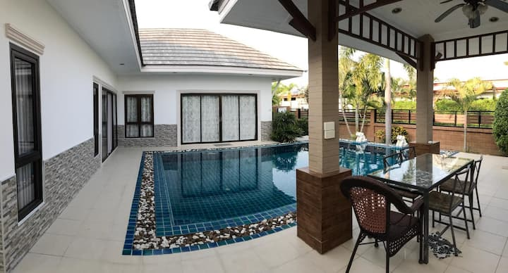 Villa with private pool, 3 bedroom, Baan Dusit
