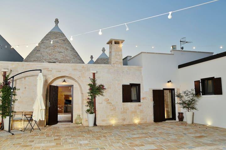 Stylish Trulli with Panoramic View in Puglia