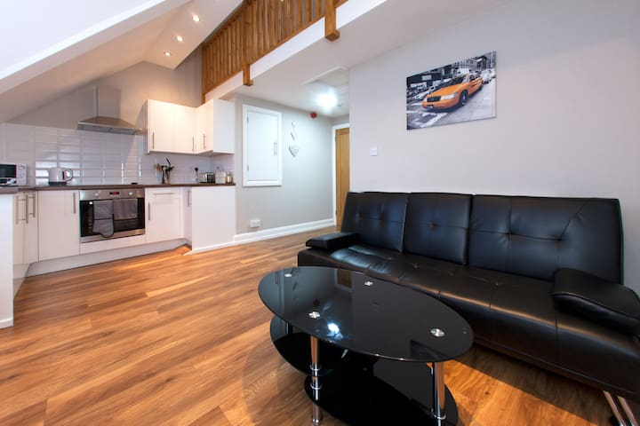 Brand New 1 bedroom Apartment Close to Cardiff Bay - คาร์ดิฟฟ์