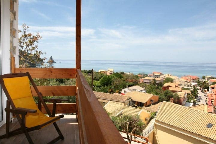 Seaview apart  only steps from beach 6 to 8 person