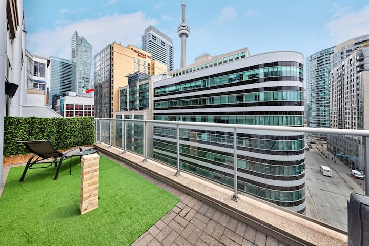 2BR w/Parking,Terrace & Stunning View of CN Tower!