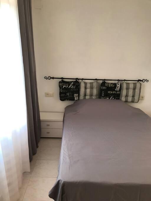 Chambre 2 avec grand lit double