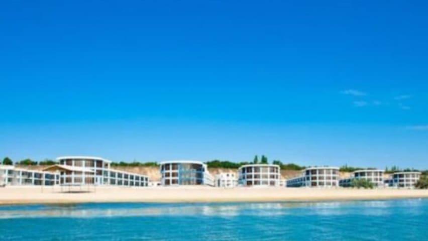 Двухуровневые апартаменты возле моря (ЛОФТ) - Ovidiopol' - Apartment