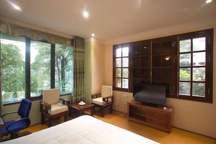 Hot Deal ☆☆☆ Brilliant Serviced Apt. w/ Great View - Hanoi - Apartemen