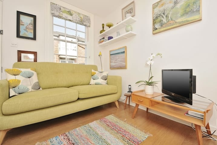 ★Bright & charming 1 bed Townhouse in Jericho★