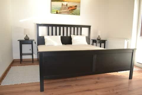 Dvojlôžková izba s kúpeľňou / Double bedroom