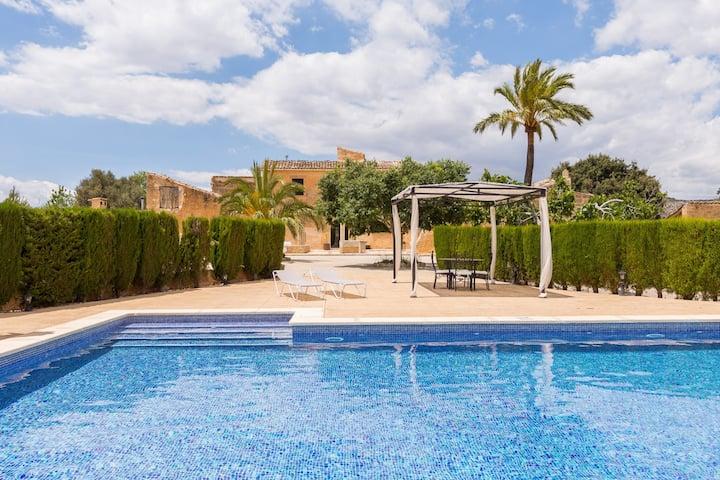 Buniferri. Mallorcan finca full of style with pool