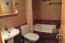 Baño completo planta superior