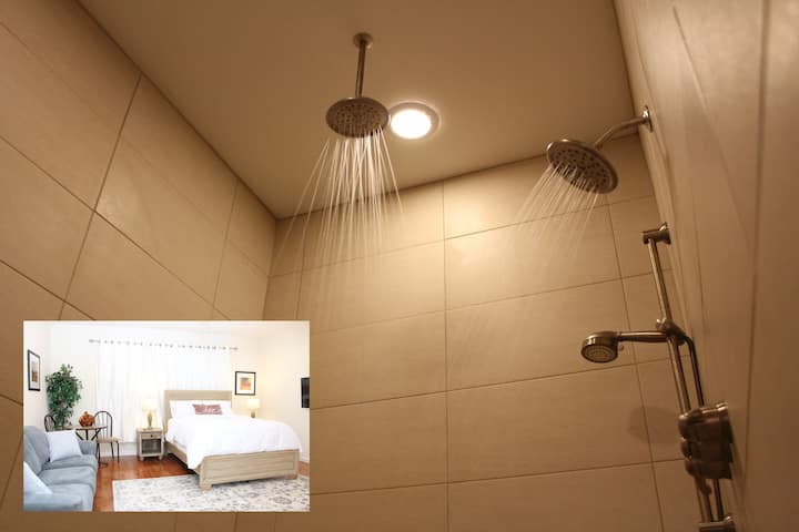 Rain Shower Deluxe Suite - Unforgettable Getaway!
