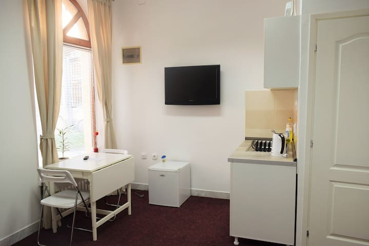 New, very cute studio in city center - Subotica - Apartment