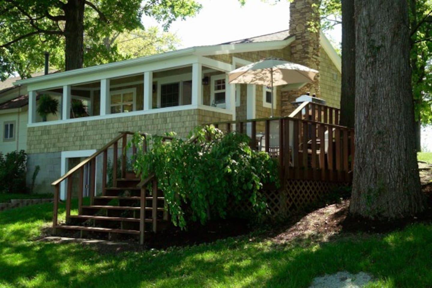 Indian Lake Treehouse Waterfront Cottage w/Boat Dock and Waterfront Views.