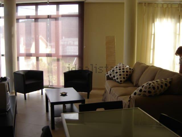 Apartamento casi nuevo en Espasante - O Porto de Espasante - Daire