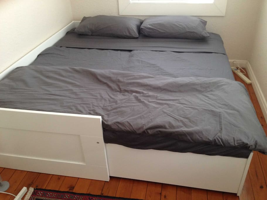 Comfy day bed converts to double bed.