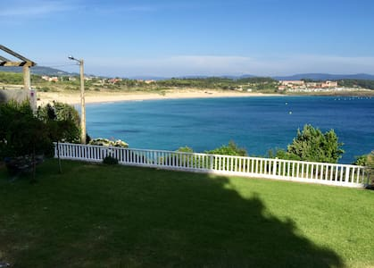 Casa en Sanxenxo en la playa de Montalvo