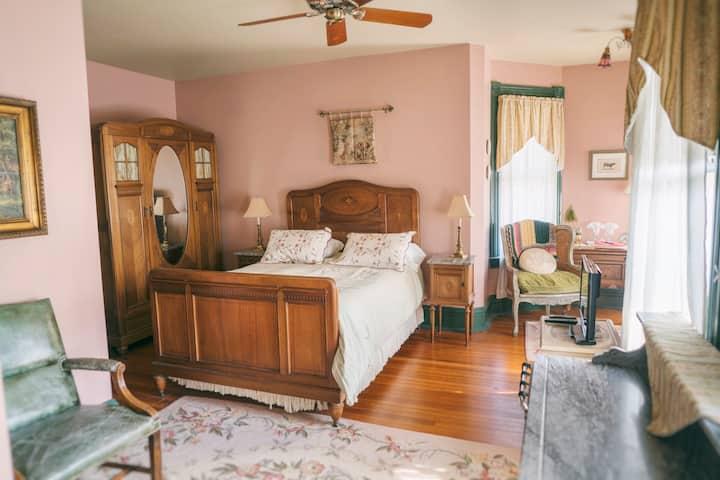 Hummingbird Inn - 2 - Cambridge Room