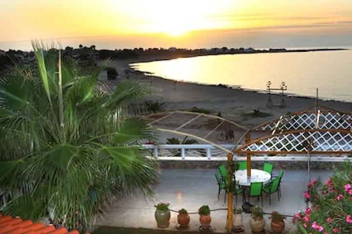 Sandy villa - Stavros