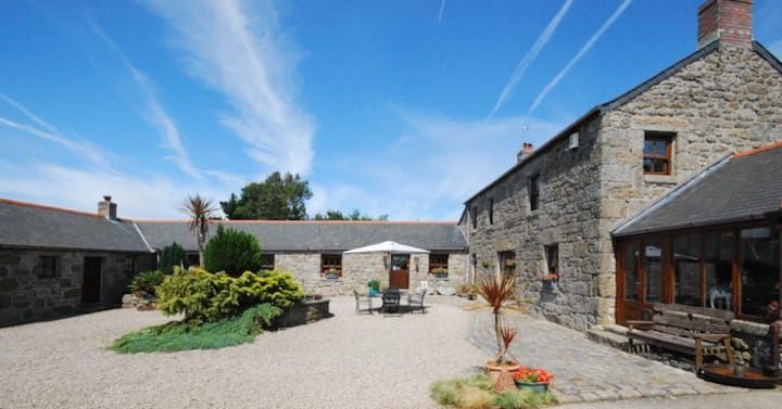 Wonderful rural  B&B close to Mousehole