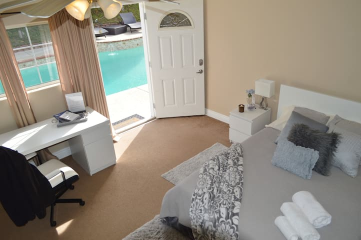 TERRA Private Guest House with Swimming Pool !!