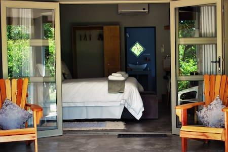 Bushbaby Lodge - Sidvokodvo - Bed & Breakfast