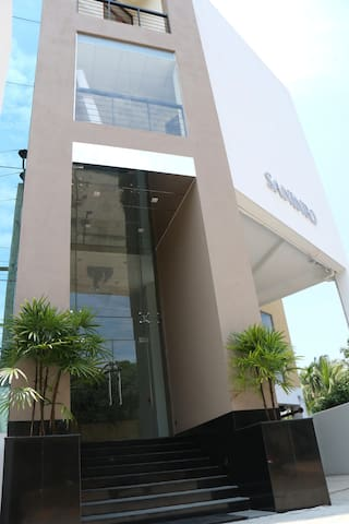 Saninro Residences and Food Court - Ragama - Boutique hotel