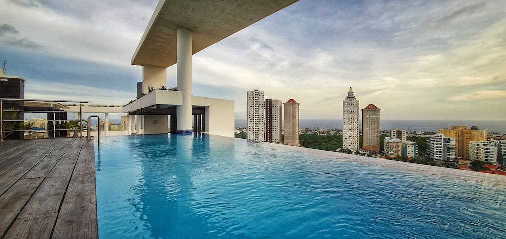 Los Cacicazgos 2 BR Rooftop Pool/Sea and Park View