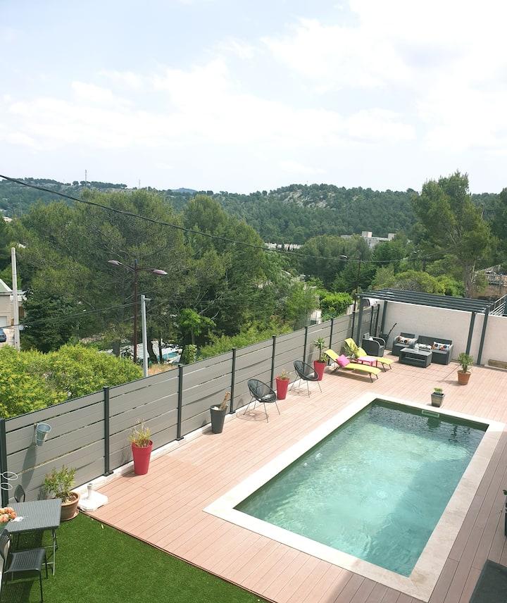 Logement entier piscine privée  à 5 mn de Cassis