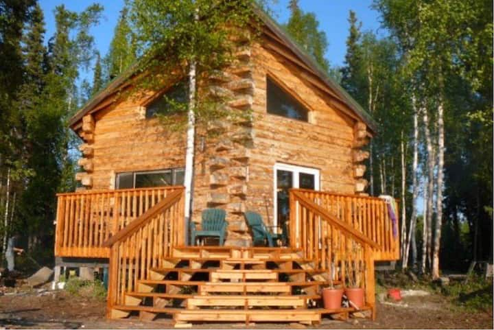 Log Cabin on Lake*Airstrip*Luxurious & Rustic!