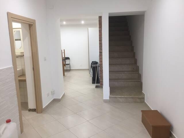 Appartamentino Con Bagno e mobili nuovi