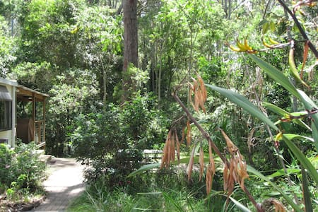 Farm & Nature Stay set in bush & rainforest. - Malua Bay - Chalet