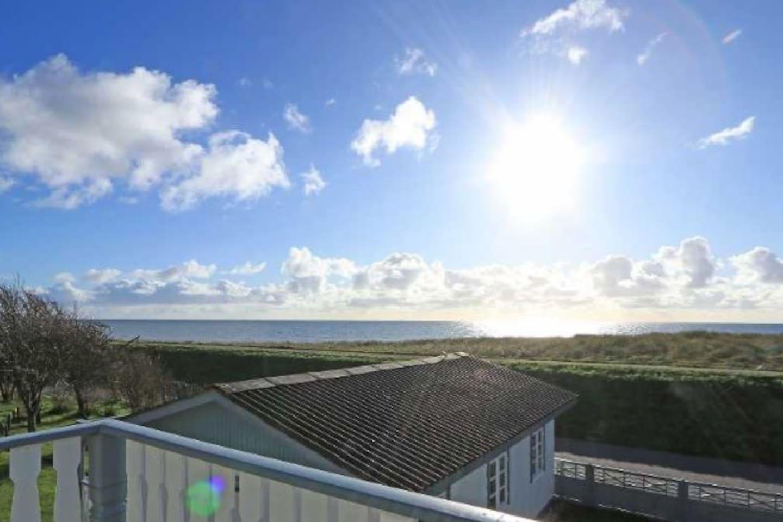 Udsigt over Østersøen fra terrassen på 1. sal.