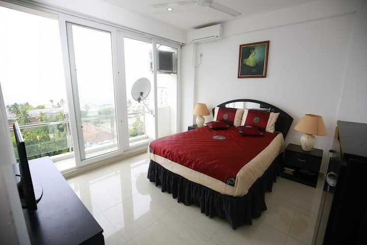 Ocean View Luxury 2 Bedroom Condo in Colombo