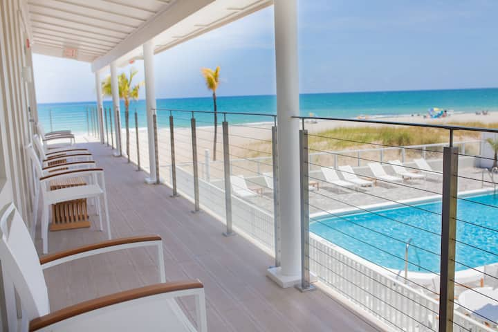 Fabulous Studio Right on the BEACH with POOL! - #1