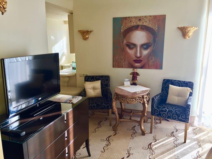 Edel Villa erholsames Zimmer+Marmorbad