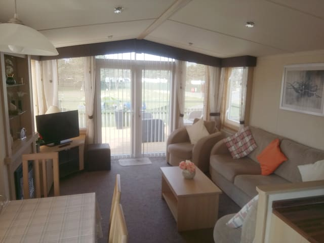Home from Home - 3 Bed Caravan