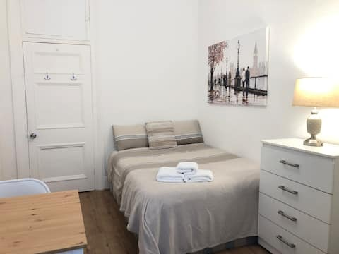 Comfy room in the city centre