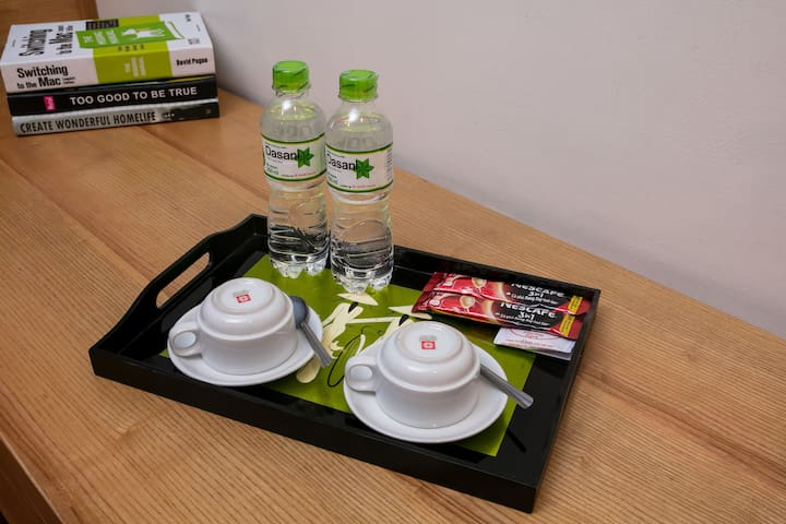 Free complimentary water, tea and coffee each day.