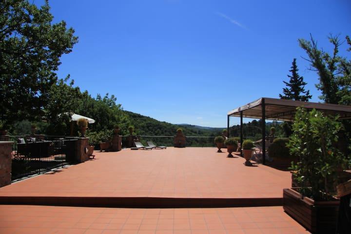 Tuscan villa located in Chianti's hills