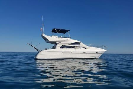 Beautiful Motor Yacht, Cabopino beach, Marbella