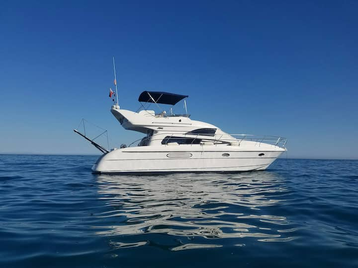 Beautiful Motor Yacht, Cabopino beach, Marbella