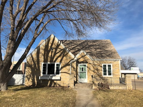 Kearney Stone Cottage - Conveniently Located