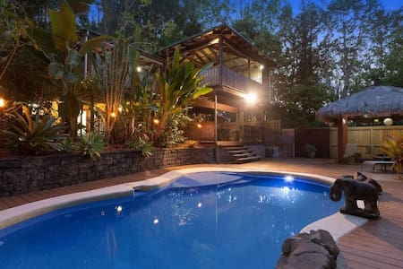 Sunshine Coast Hinterland Retreat sleeps 10 - Palmwoods